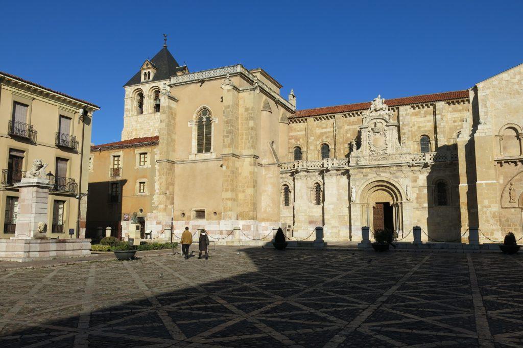 Plaza de San Isidoro